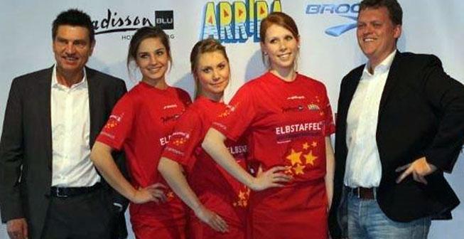 Foto Pressekonferenz und Vorstellung der Elbstaffel-Rennshirts